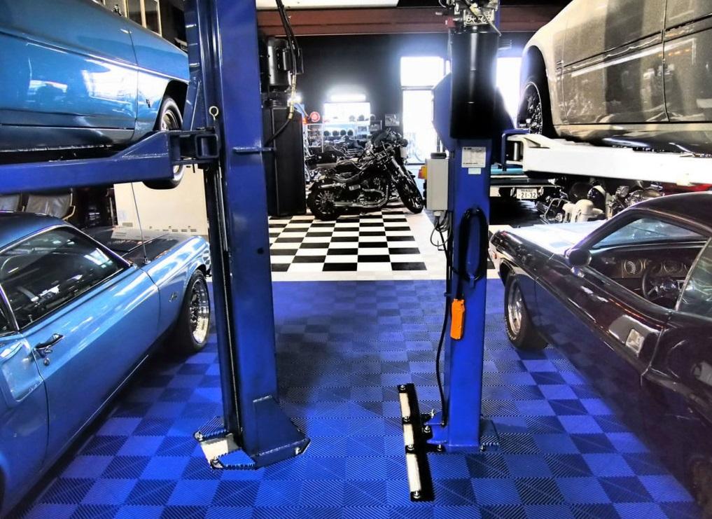 Garage workshop with Swisstrax